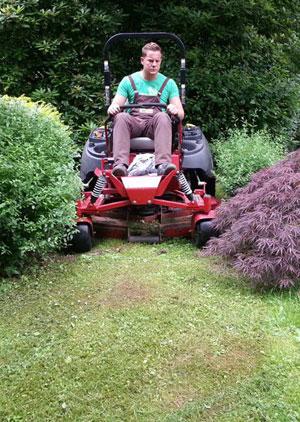 Grünflächenpflege Garten- und Landschaftsbau Galabau Winnen